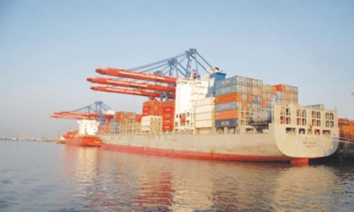 Non-textile exports contract 5.6pc