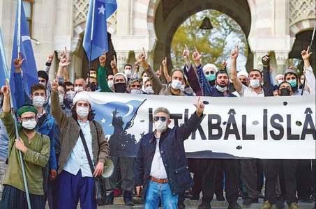 اردوان کی دوبارہ میکرون کو 'دماغی معائنے' کی تجویز، مسلم ممالک کا فرانس کے بائیکاٹ کا مطالبہ