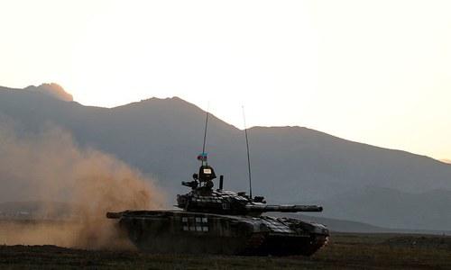 امریکی ثالثی میں جنگ بندی کے باوجود نیگورونو-کاراباخ میں لڑائی جاری