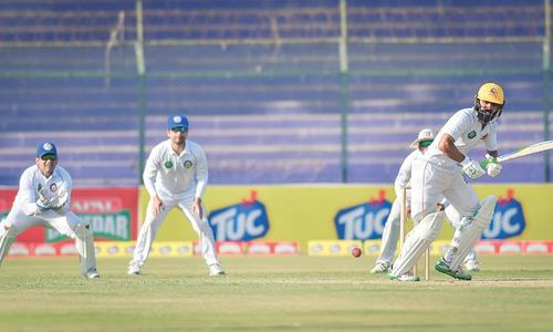 Fawad keeps Sindh afloat; Hussain slams career-best 253