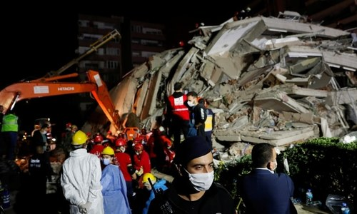 26 dead, buildings collapse as major quake hits Turkey, Greece