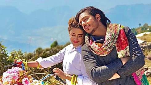 Kubra Khan and Goher Mumtaz are shooting a romantic thriller in Kashmir