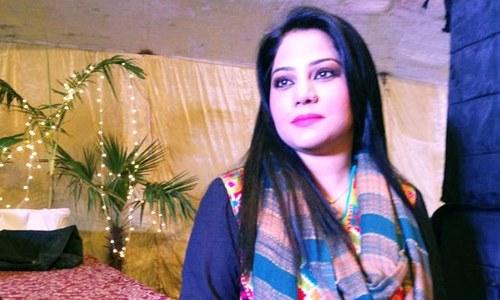 عدالت نے گلوکارہ صنم ماروی کے بچوں کی حوالگی کا معاملہ نمٹا دیا