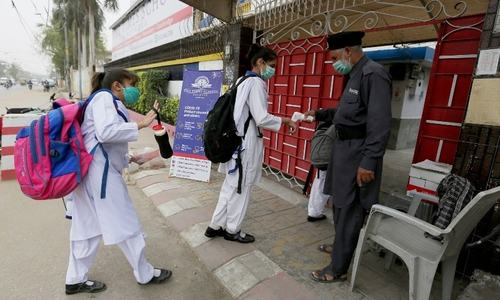Pakistan's daily Covid-19 cases cross 3,000 for first time since July