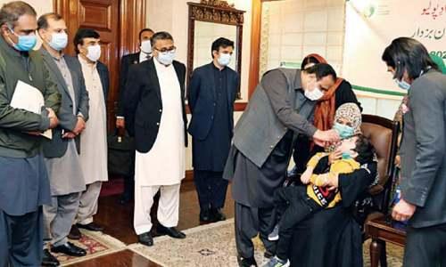 Buzdar opens polio vaccination drive
