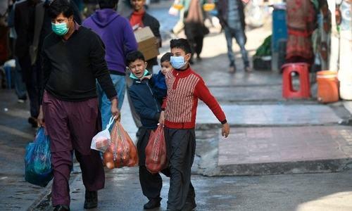 پاکستان میں مسلسل چوتھے روز کورونا وائرس کے یومیہ کیسز 3 ہزار سے زائد
