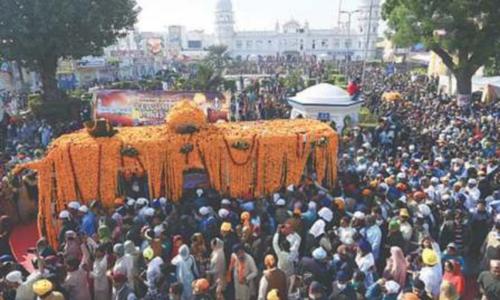 سکھ یاتریوں کی بابا گرونانک کے جنم دن کی تقریبات میں شرکت