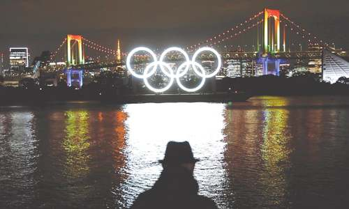 Olympic rings illuminated upon return to Tokyo Bay