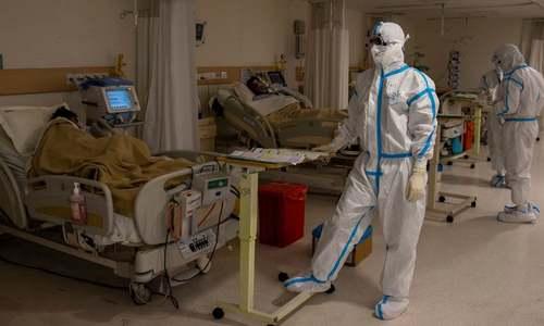 بستر اور وینٹی لیٹر پھر مل جائیں گے، آپ ڈاکٹرز اور نرسز کہاں سے لائیں گے؟
