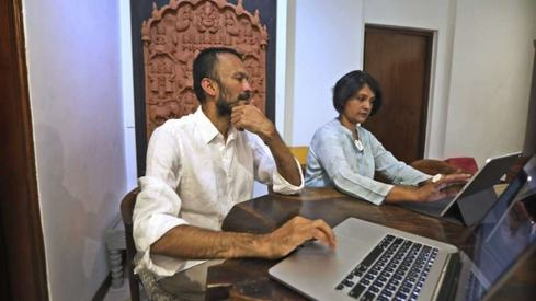 Indian couple help traditional artisans get back to business
