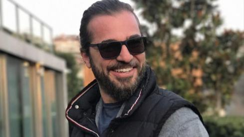 Ertugrul's Engin Altan Düzyatan has finally made it to Pakistan