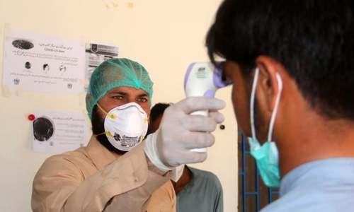 سال 2020: پی ٹی آئی حکومت 'کورونا وائرس' کے امتحان میں کتنی کامیاب رہی؟