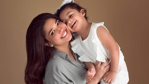 Sanam Jung and daughter test positive for coronavirus