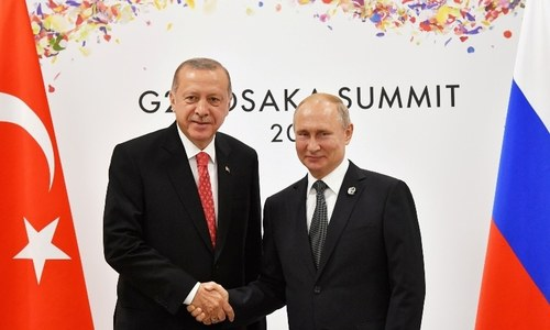 US sanctions Nato ally Turkey over purchase of Russian defence system