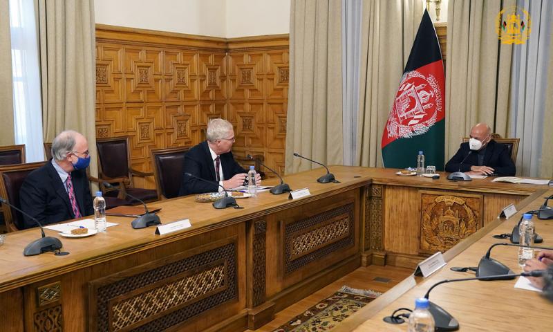 Pentagon chief meets Afghan president
