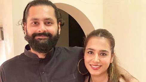 Jibran Nasir threw Mansha Pasha the most adorable surprise anniversary