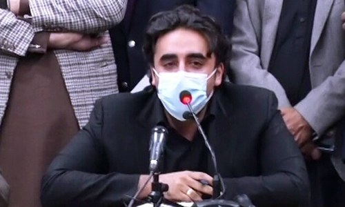 PPP dangles threat of resignations, keeps its options open