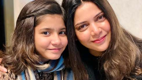 Hadiya Hashmi and Hadiqa Kiani are all geared up for a fiery collaboration