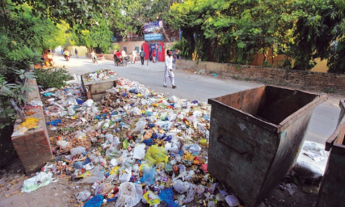 Gigantic cleanliness drive: Citizens smell odour of LWMC's inefficiency