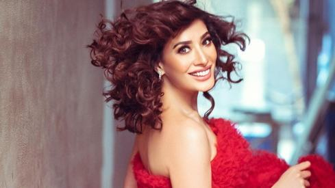 Mehwish Hayat doesn't need to be married or have children to be happy