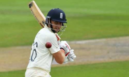 England build commanding lead on back of Root's unbeaten century