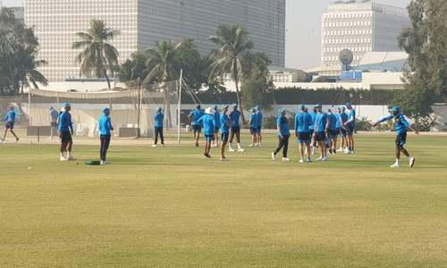 کورونا ٹیسٹ منفی آنے کے بعد جنوبی افریقی کھلاڑیوں کی کراچی میں پریکٹس