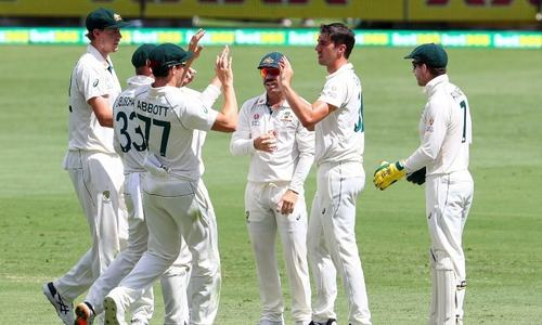 Australia, India headed for thrilling final session with Test in balance