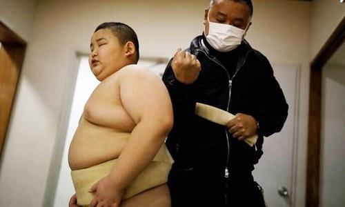 85 کلو وزنی 10 سالہ سومو ریسلر کے چرچے