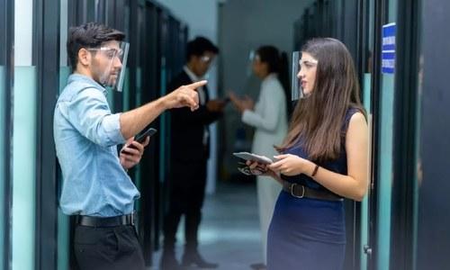 کووڈ 19 کے پھیلاؤ کیلئے گفتگو کھانسی سے بدتر قرار