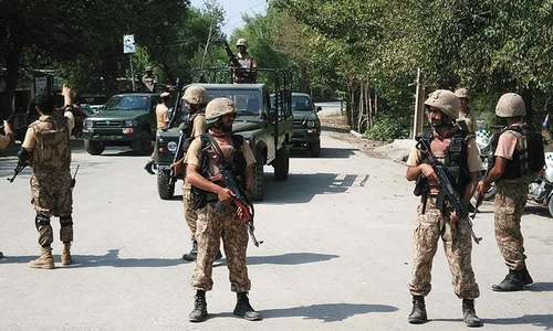 Four soldiers martyred, five injured in Sibi landmine blast