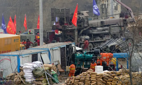 China rescues seven miners after 14 days trapped underground