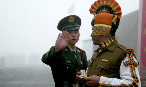 بھارت اور چینی فوجیوں کی سرحد پر پھر جھڑپ، متعدد فوجی زخمی