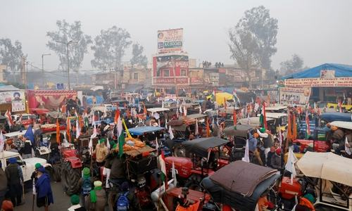 Tractor rally aims to overshadow India's show of military might