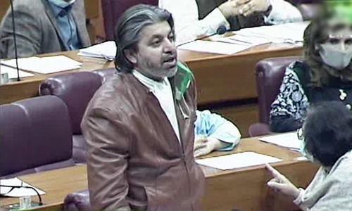 'ووٹ کو عزت دو' کا کہنے والے غیر منتخب شخصیت کی زیرصدارت اجلاس میں شریک ہوئے، علی محمد خان