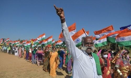 بھارت: پرتشدد احتجاج کے بعد کسانوں نے دوبارہ نئی دہلی کے باہر ڈیرے ڈال دیے