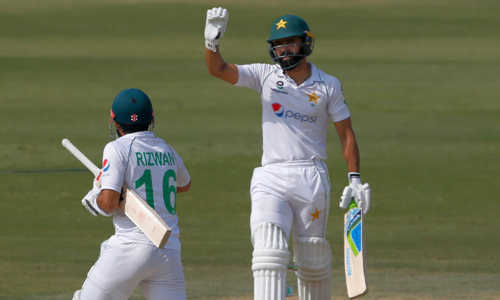 Fawad Alam and Azhar Ali hit fifties to keep South Africa at bay in first Test