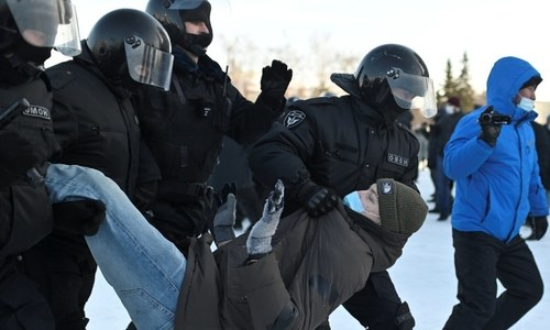 Russian police detain more than 2,100 people at protests against jailing of Kremlin critic Navalny