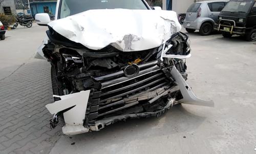 Four killed in Islamabad as Kashmala Tariq's Lexus crashes into Mehran