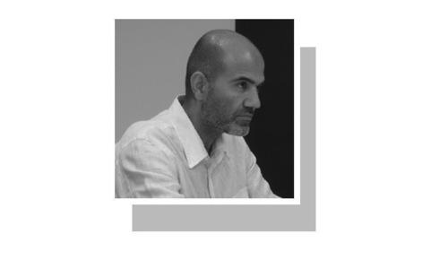 لکھاری قائدِ اعظم یونیورسٹی اسلام آباد میں پڑھاتے ہیں۔