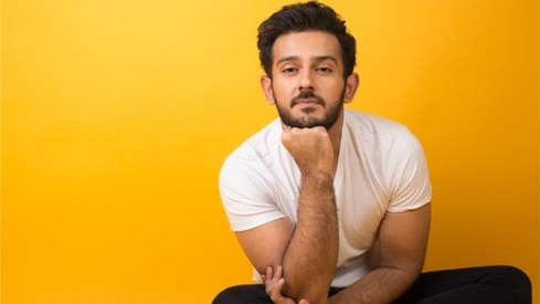 Get to know Azaan Sami Khan through his first album Main Tera