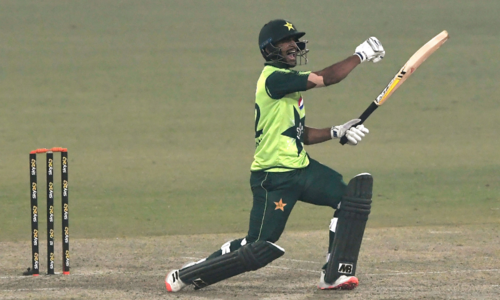 Pakistan win third T20 against S. Africa by 4 wickets, emerge victorious in series