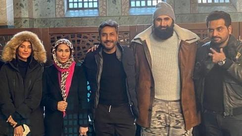 Ertugrul's production team gives Reema a warm welcome in Turkey