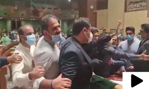 سندھ اسمبلی کا اجلاس ایک مرتبہ پھر ہنگامہ آرائی کی نذر