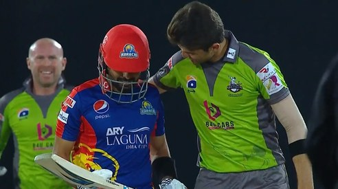 Neither Karachi nor Lahore — Shaheen Afridi wins for his heartwarming gesture after clean bowling Babar Azam