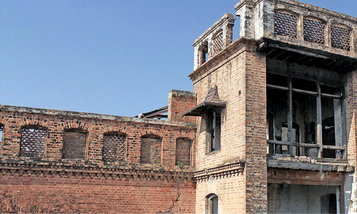 Experts visit Sujan Singh Haveli to finalise PC-I  for restoration