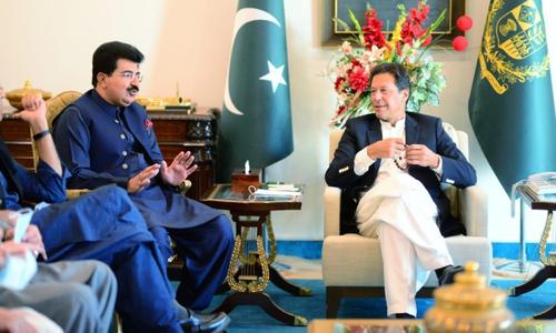وزیراعظم کا صادق سنجرانی کو چیئرمین سینیٹ کا امیدوار بنانے کا اعلان