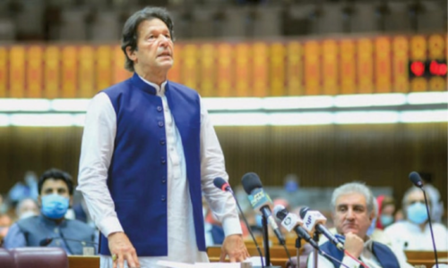 Prime Minister Imran's plan to seek vote of confidence stirs debate
