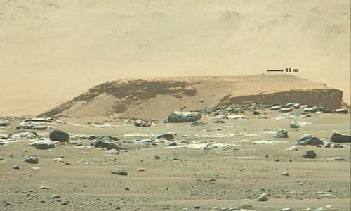 Nasa's new Mars rover hits dusty red road