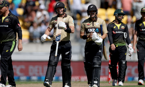 Guptill leads NZ to T20 series win over Australia