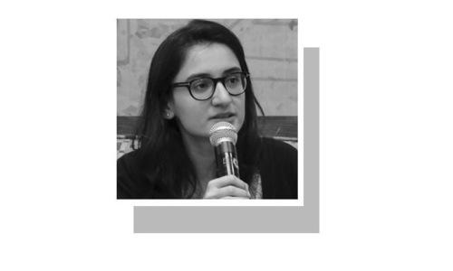 شمائلہ خان تعلیم کے اعتبار سے وکیل اور صنف اور ڈیجیٹل رائٹس سے متعلق محقق ہیں۔